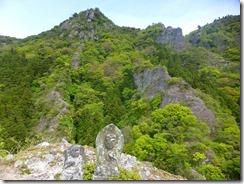 14岩峰のうえから津波戸山