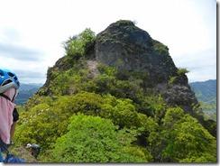 22登ってきた岩峰を振り返ります