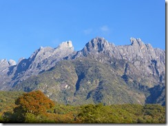 01朝のキナバル山