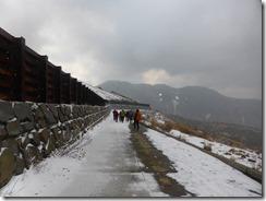 26すっかり雪が無くなった鉱山道