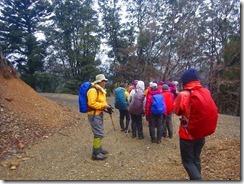 16ここから林道歩きで分岐、再び登山道に入り往路を下山しました