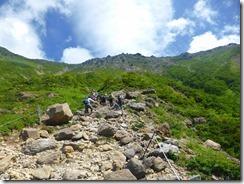 2-09登山道にはロープが張ってあります