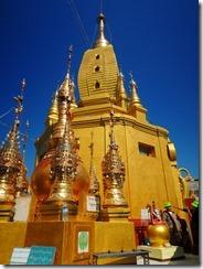 2-17黄金の仏塔