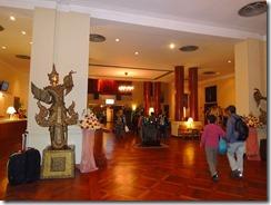 1-04ヤンゴンの宿泊はインヤレークホテル、でも深夜着、早朝出発