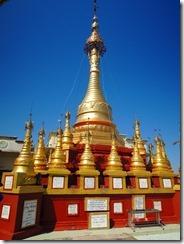 2-18黄金の仏塔
