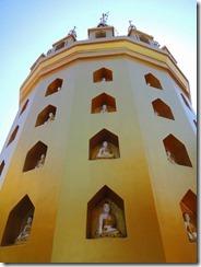 2-16黄金の仏塔
