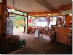 10下田代十字路の原の小屋無料休憩所
