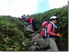 20 姥ヶ岳へ向かって下る