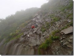 4-07南稜の岩壁を下る