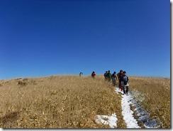 07猟師山へ向かう
