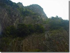 2-17行縢山は岩峰の山です