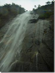2-15行縢の滝、日本の滝百選でもあります