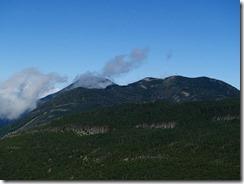 4-11縞枯山の向こうに蓼科山P9142830