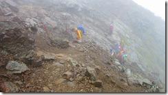 3-08急登の岩場を登っていきます