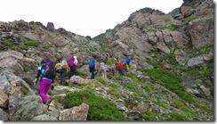 2-09山頂近くの岩場の上り