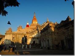 3-12アーナンダ寺院(パガン寺院建築の最高傑作、(美しい)