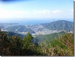 17縦走路は市内、長崎湾が見え隠れしてます