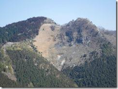 16右側がマロン岩峰