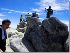 2-21燕岳山頂の1コマ