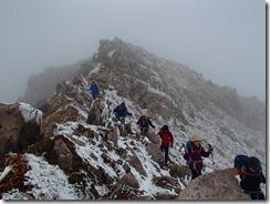 1-07星生山の岩場を下ります