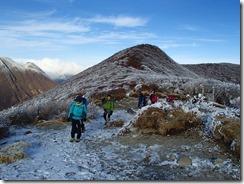 2-03段原に上がってきました、後は北大船山