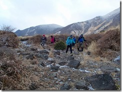 1-22鉾立峠に下山しました、雪もなくなりました