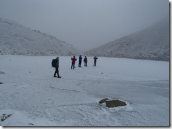 1-16御池で氷上遊びを楽しみました