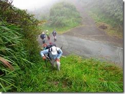 1-03いきなりの急登を登山開始
