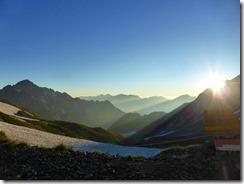 3-01朝の剱岳、後ろは鹿島槍ケ岳方面
