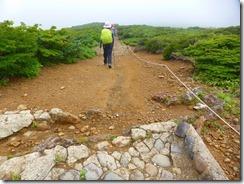 4-06石畳がなくなり、普通の登山道になります