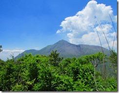 19縦走路から望む高千穂峰