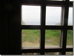 41窓の向こうに沖ノ島が見えました