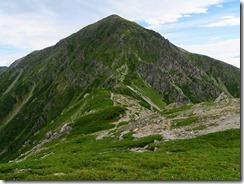 3-18荒川東岳の急斜面を振り返る