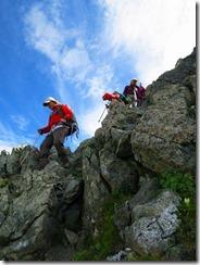 3-17岩が乱立する急坂を下ります