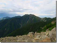 3-04稜線に出ると赤石岳が目の前に