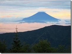 3-01富士山に帽子が・・・