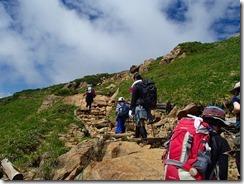 2-10大勢の登山者