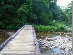 1-04木橋を渡ります