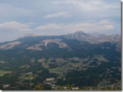 1-42阿蘇五岳を望む、正面は端正な烏帽子岳