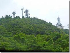 2-10八幡岳の鉄塔群が見えます