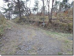 36花牟礼山看板、ここから舗装林道を下ります