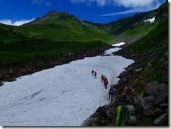 36雪渓の横断2
