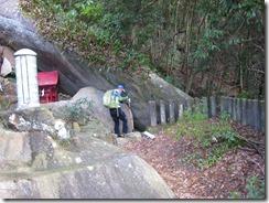 10正現神社裏の巨石