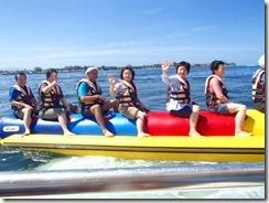 05バナナボートに乗船