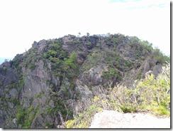 1-13後傾山から傾山本峰を望む