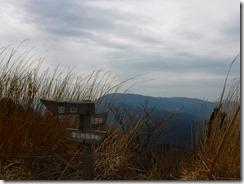 16雷山よ羽金山を望む