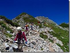 2-28チョット緩やかな登山道