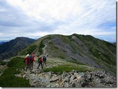 3-14稜線歩きで前岳に向かいますIMG_1499