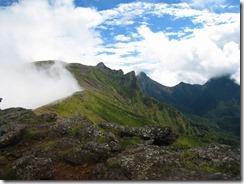 41硫黄岳山荘近くより横岳、赤岳