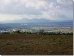 2-22山頂からの展望、背比べした金峰山と二ノ岳三ノ岳